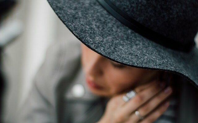 Ściana z kapeluszami